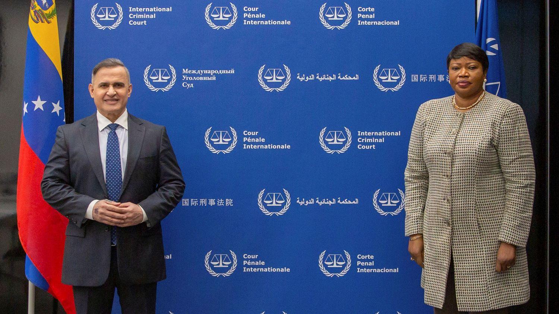 fiscal-general-venezuela-Tarek.William-Saa-con-fiscal-Corte-Penal-Internacional-Fatou-Bensouda-La-Haya